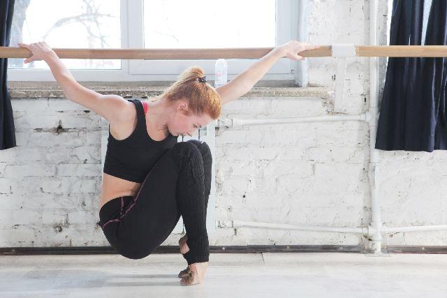 ダンサー 女性