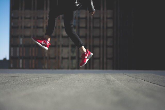 ジャンプ 女性