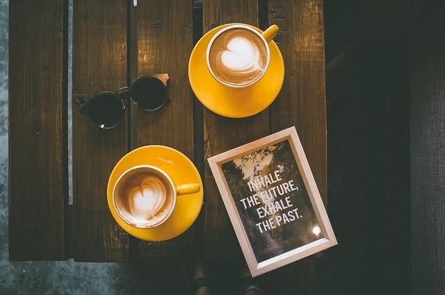 カフェ カップル