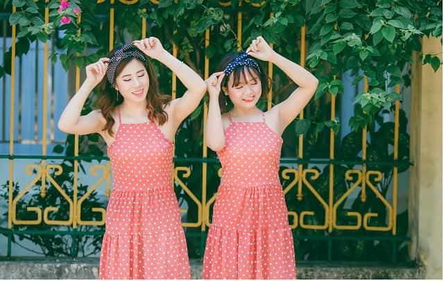 女の子 双子